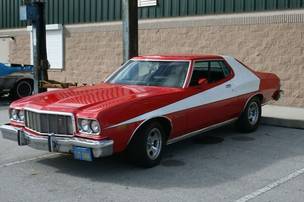 Ford Grand Torino 1976 : série Starsky et Hutch