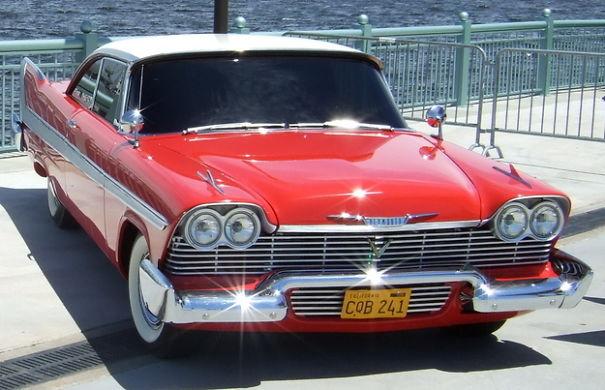 La Plymouth Fury est une automobile du constructeur américain Plymouth.