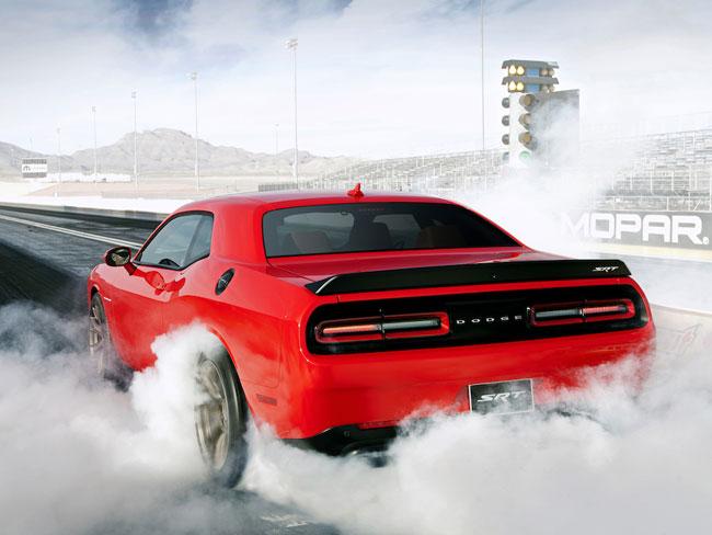 À une époque où les moteurs sont plus petits, Dodge muscle sont moteur avec la Hellcat Challenger et ses 707 chevaux sous le capot !