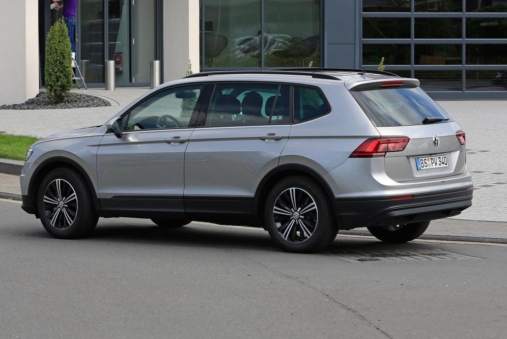 Volkswagen Tiguan 2017 vue de côté