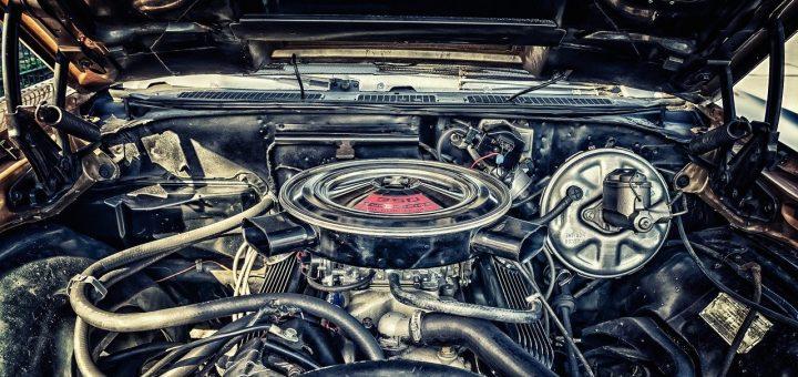 Le moteur d'une voiture ancienne